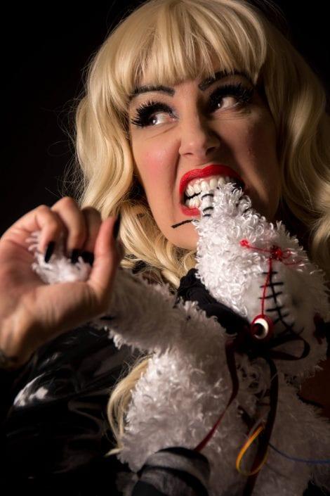 Alternative - Kellie Rix biting
