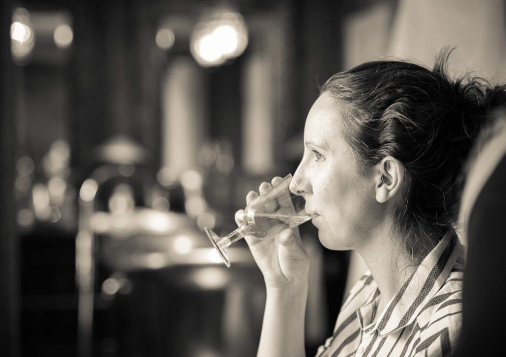 Wedding photography - Bridal prep booze