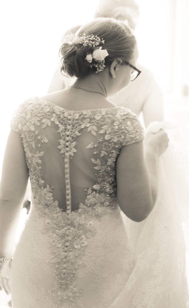 Wedding - Bride dress back